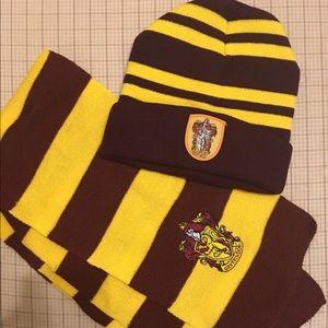 New Harry Potter Gryffindor Beanie Scarf set